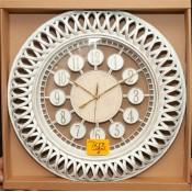 1647 Часы (Ящик: 12 шт.)